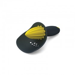 Citrus Reamer With Pip Catcher Black/yellow - Joseph Joseph
